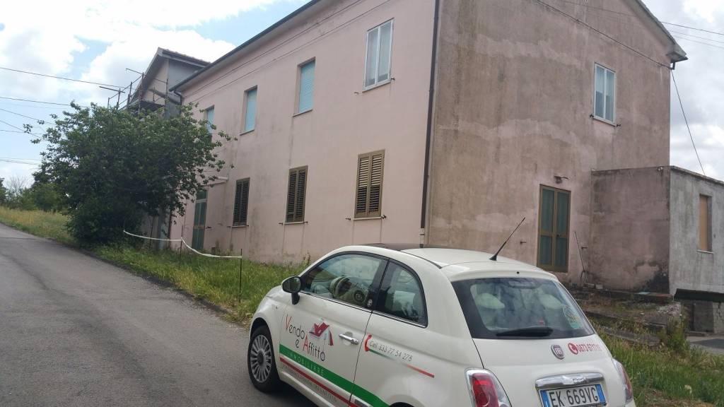Rustico / Casale da ristrutturare in vendita Rif. 4595505
