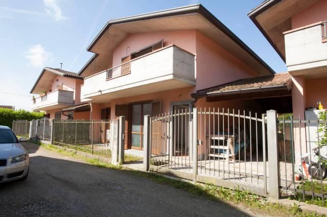 Appartamento in vendita a Biandronno, 4 locali, prezzo € 220.000   CambioCasa.it