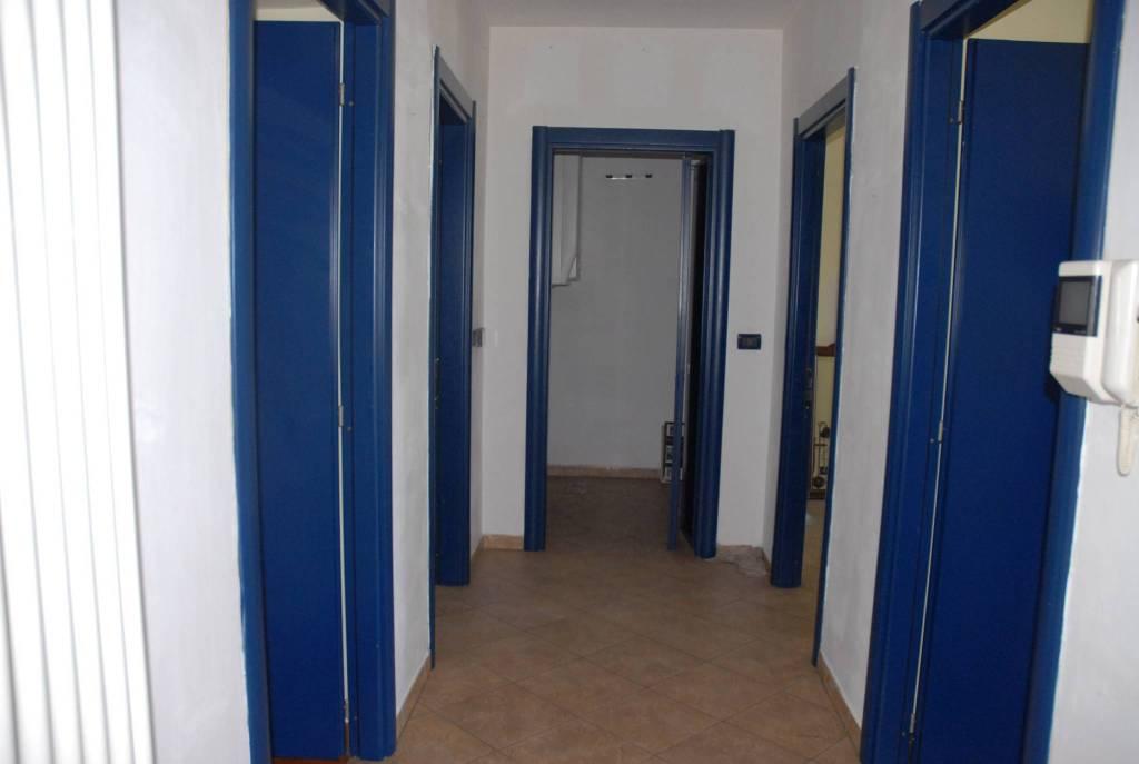 Appartamento in ottime condizioni in affitto Rif. 9347111
