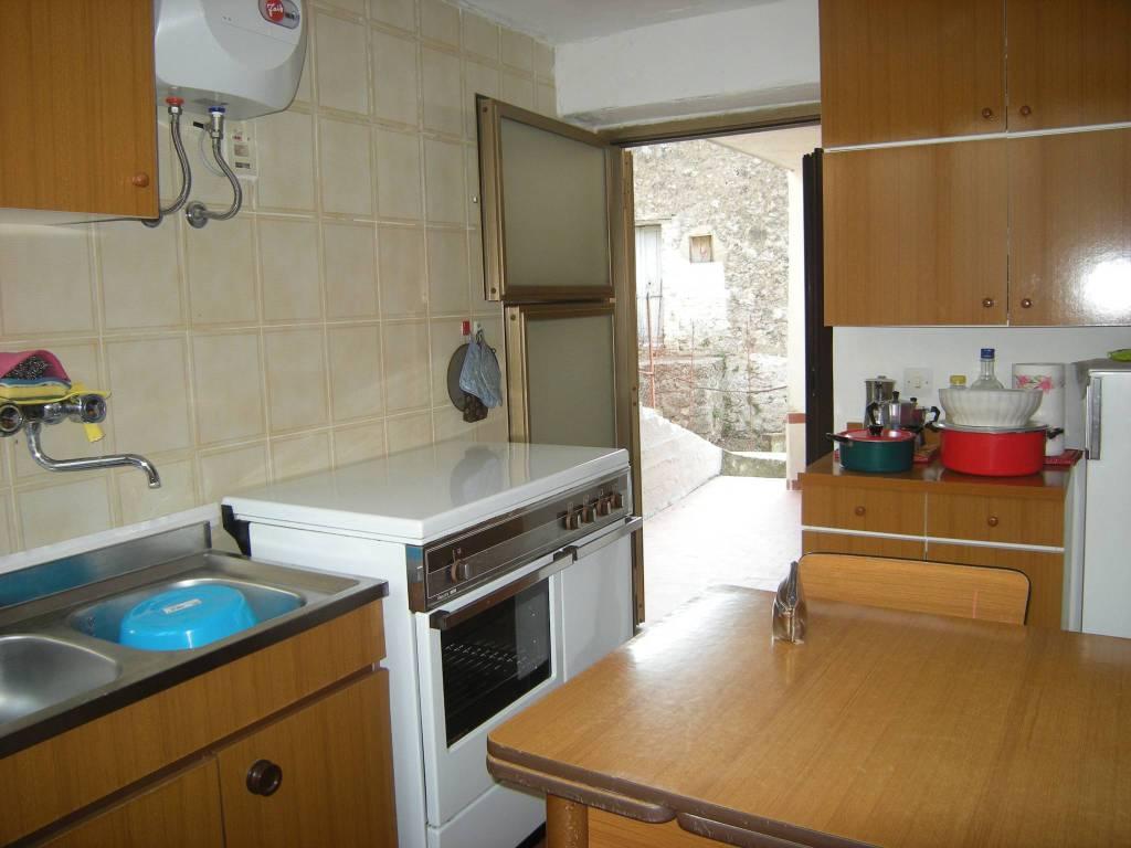Appartamento in vendita a Minturno, 4 locali, prezzo € 65.000 | PortaleAgenzieImmobiliari.it