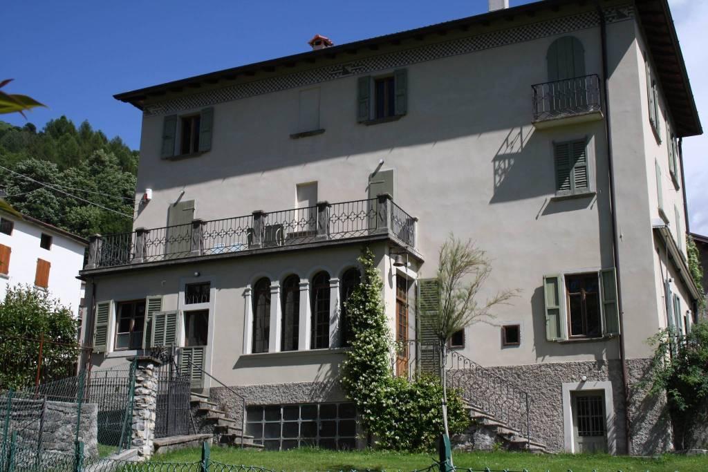 Villa in vendita a Blessagno, 12 locali, prezzo € 1.200.000 | PortaleAgenzieImmobiliari.it