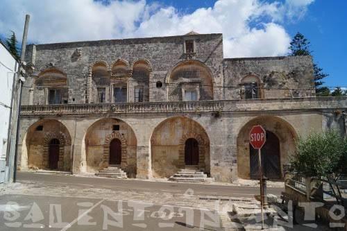 Stabile / Palazzo da ristrutturare in vendita Rif. 5085594