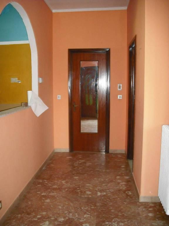 Appartamento in buone condizioni in affitto Rif. 7900119