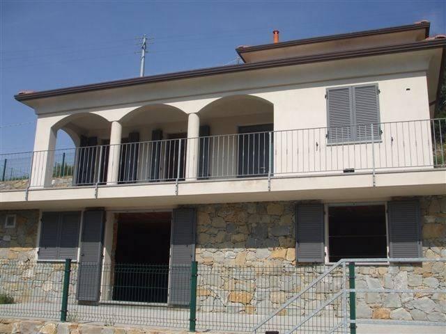Villa in vendita a Seborga, 6 locali, Trattative riservate | CambioCasa.it