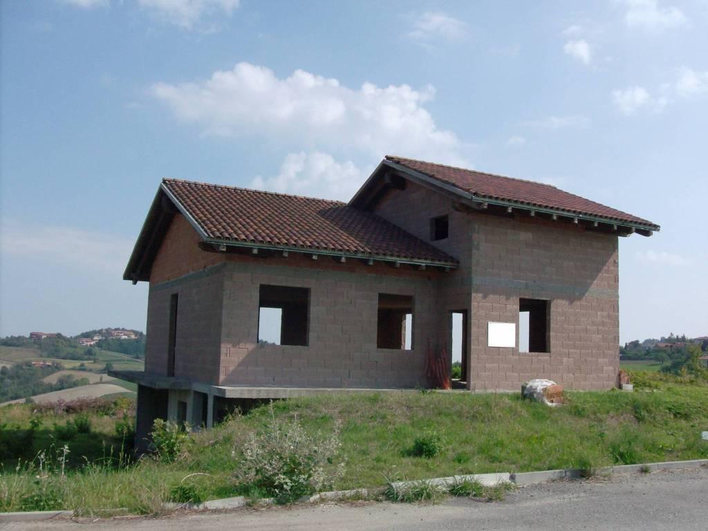 Villa in vendita a Brozolo, 6 locali, prezzo € 105.000 | PortaleAgenzieImmobiliari.it