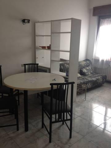 Appartamento in buone condizioni arredato in affitto Rif. 4401258