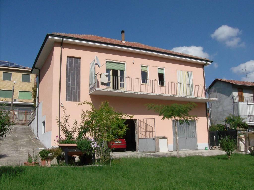 Villa in vendita a Murisengo, 4 locali, prezzo € 120.000 | CambioCasa.it