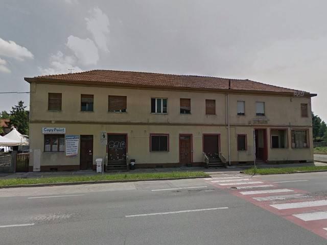 Palazzo / Stabile in Vendita a Beinasco
