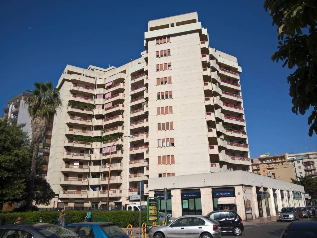 Appartamento in affitto a Taranto, 3 locali, prezzo € 450 | CambioCasa.it
