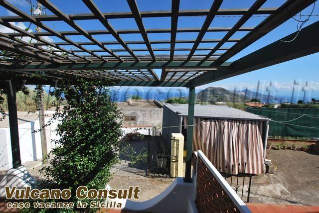 Appartamento in vendita a Lipari, 3 locali, prezzo € 190.000   CambioCasa.it