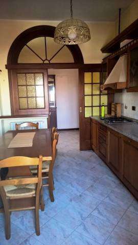 Appartamento in ottime condizioni parzialmente arredato in vendita Rif. 4968336