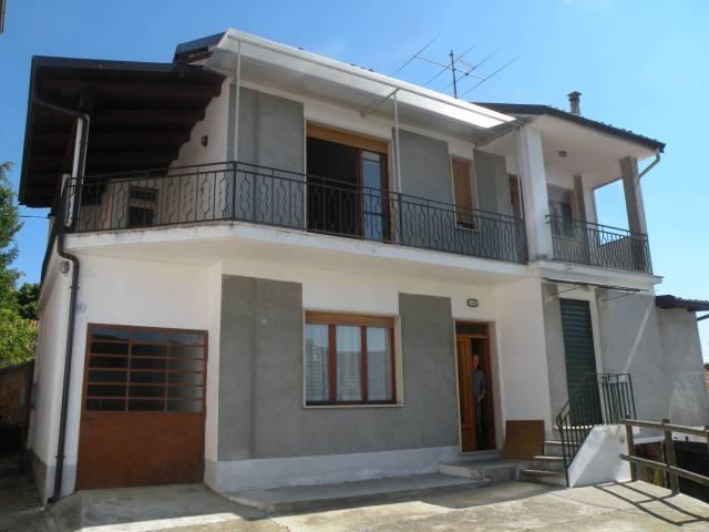 Villa in vendita a Cisterna d'Asti, 4 locali, prezzo € 109.000 | CambioCasa.it