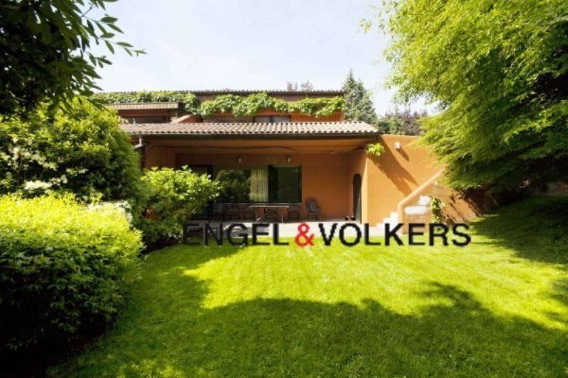 Appartamento in ottime condizioni parzialmente arredato in affitto Rif. 7296374