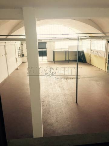 Magazzino - capannone in affitto Rif. 6970237