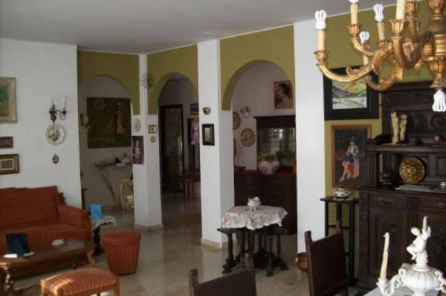 Appartamento quadrilocale in vendita a Vallecrosia (IM)