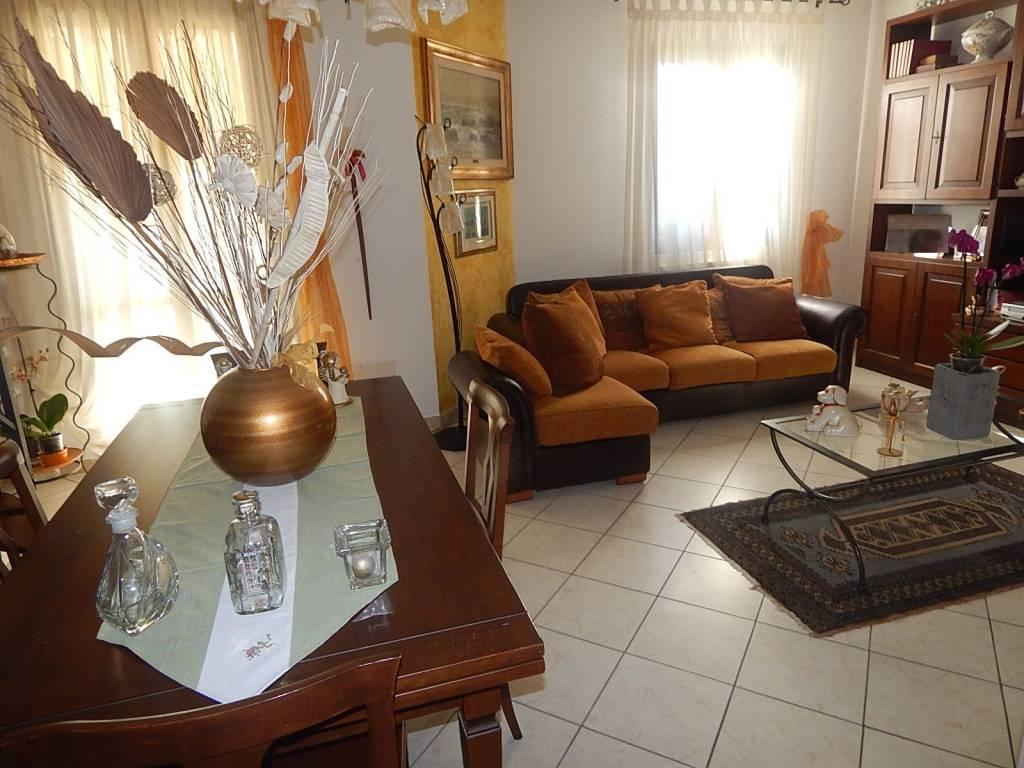 Appartamento in ottime condizioni arredato in vendita Rif. 9151292