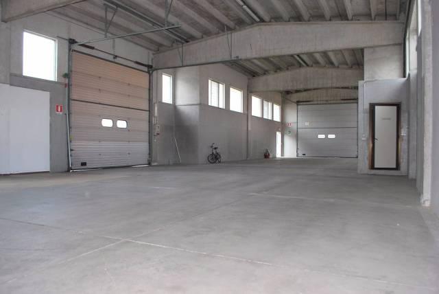 Magazzino in affitto a Alba, 1 locali, prezzo € 1.900 | CambioCasa.it