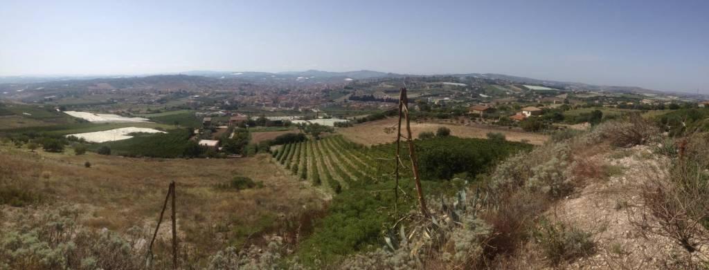 Canicatti Cda Serra Bardaro Proponiamo in vendita Terreno edificabile in ottima posizione con vista