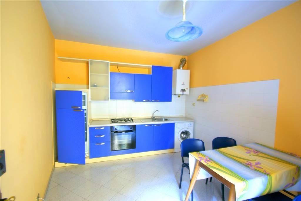 Appartamento in buone condizioni arredato in affitto Rif. 8035946