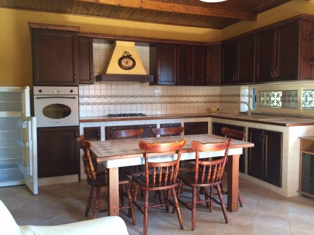 Appartamento in ottime condizioni arredato in affitto Rif. 7199573