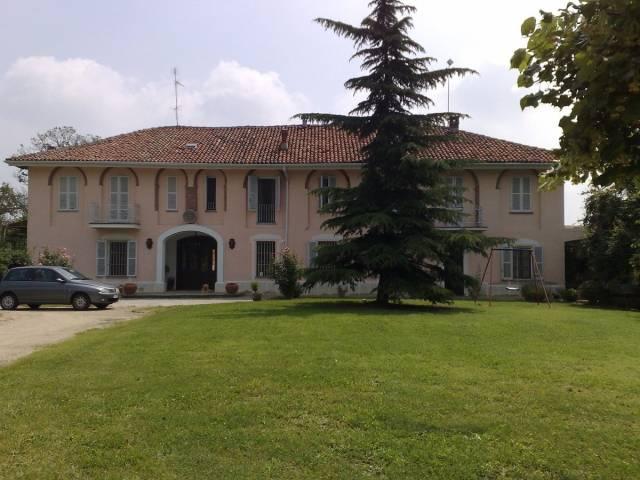 Rustico in Vendita a Asti Periferia Ovest: 5 locali, 650 mq