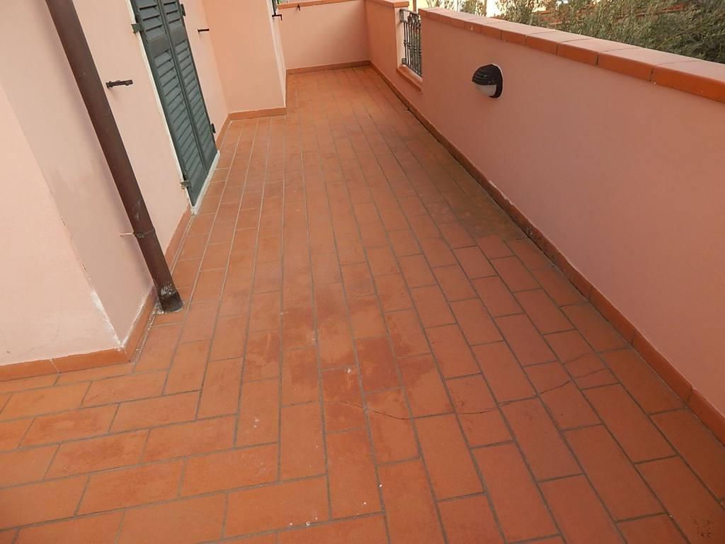 Appartamento in ottime condizioni parzialmente arredato in vendita Rif. 9151322