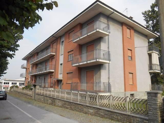 Appartamento in buone condizioni in affitto Rif. 4924219