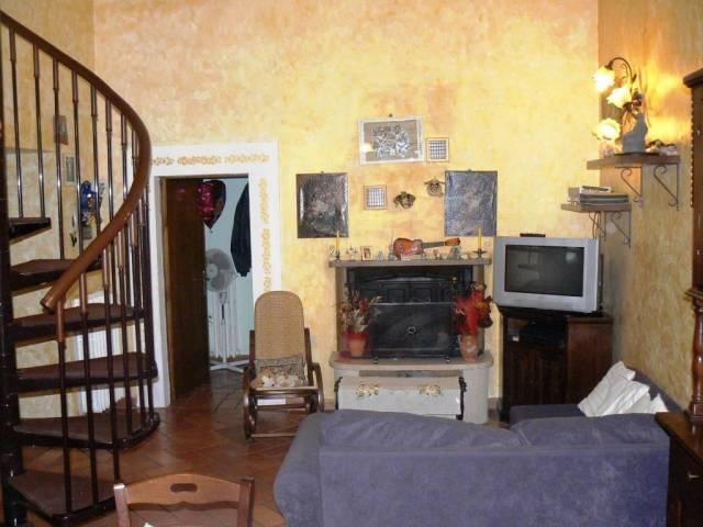 Appartamento in ottime condizioni arredato in vendita Rif. 4847630