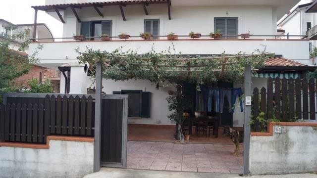 Appartamento in ottime condizioni in vendita Rif. 4244107
