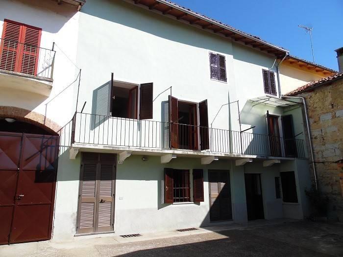 Foto 1 di Casa indipendente via della Chiesa Morra, Grazzano Badoglio