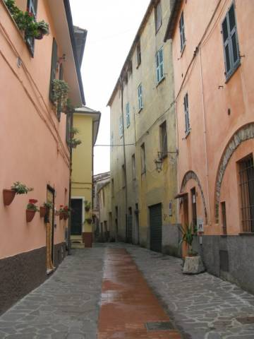 Appartamento in vendita a Chiusanico, 2 locali, prezzo € 60.000 | CambioCasa.it