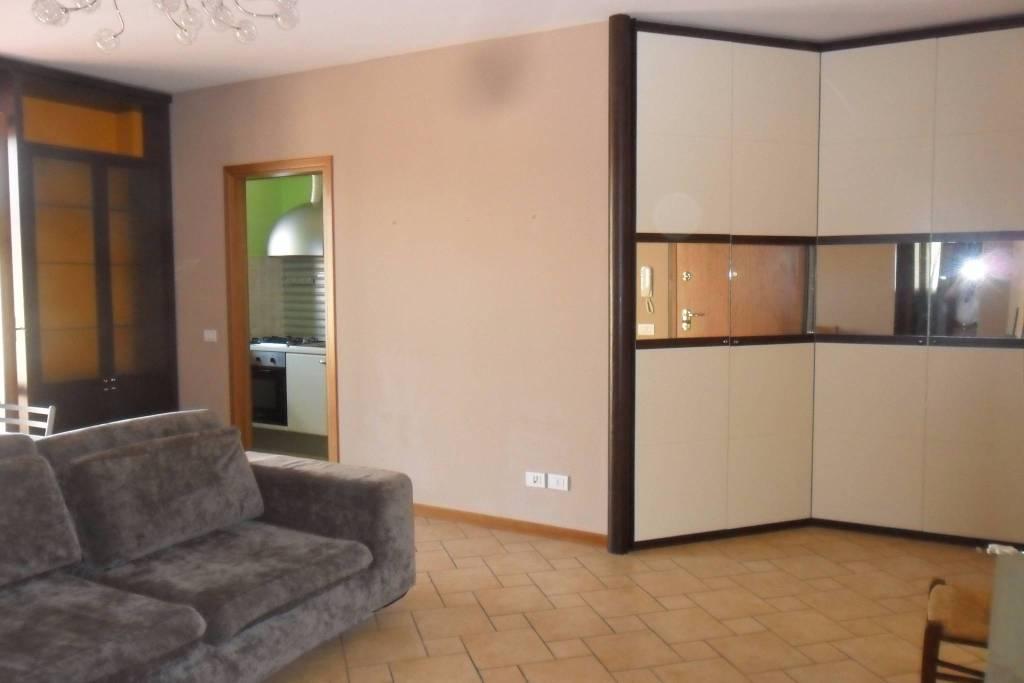Appartamento in ottime condizioni arredato in vendita Rif. 4849943