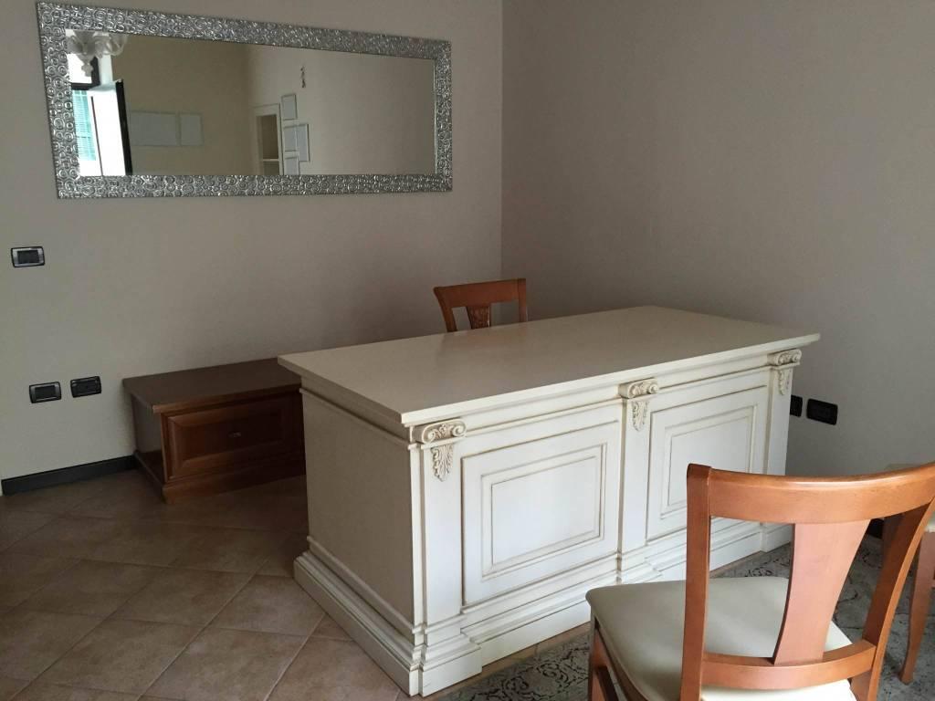 Ufficio / Studio in affitto a Castenedolo, 2 locali, prezzo € 250 | CambioCasa.it