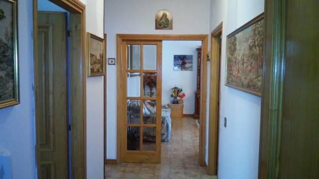 Appartamento in buone condizioni in vendita Rif. 7847668