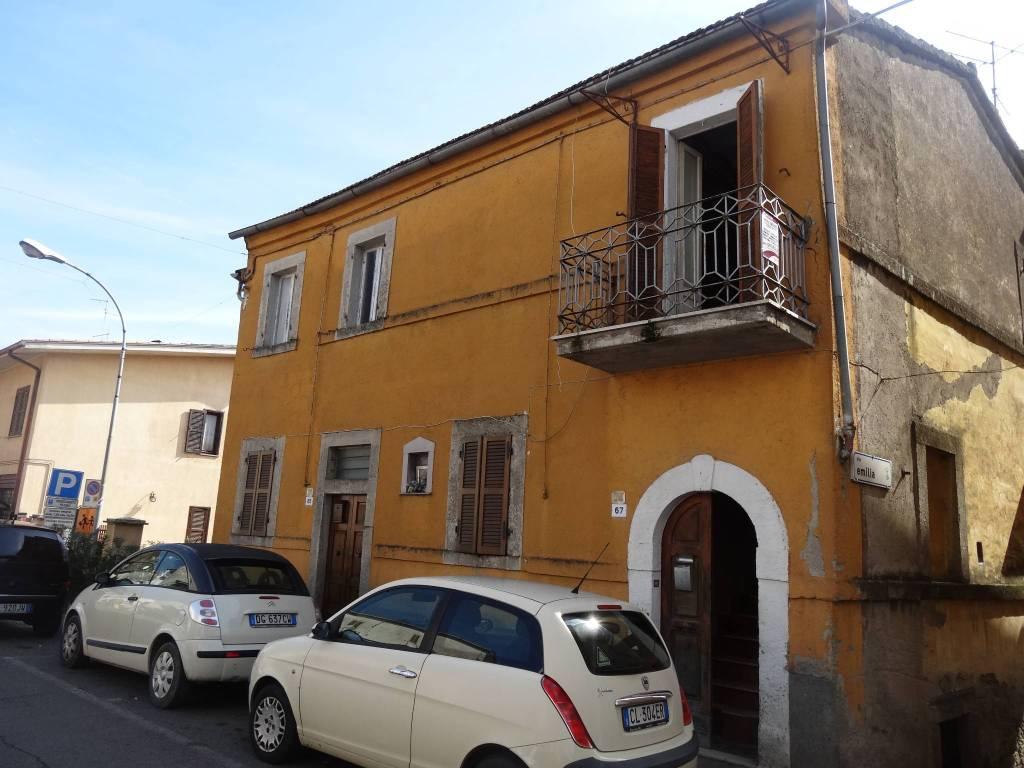 Appartamento da ristrutturare in vendita Rif. 8689589