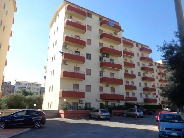 Appartamento in buone condizioni arredato in vendita Rif. 4221209