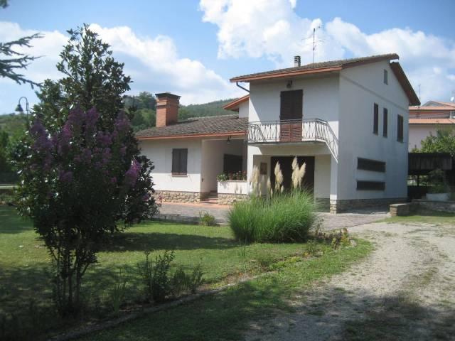 Villa-Villetta Villa in Vendita a Castel Focognano