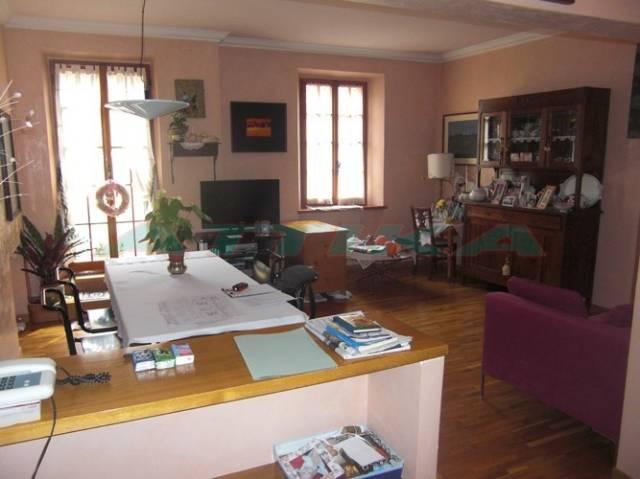 Appartamento in buone condizioni in vendita Rif. 4210887