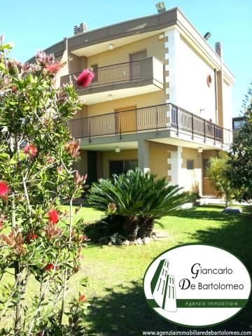 Villa, splendida villa su tre livelli, Vendita - Taranto