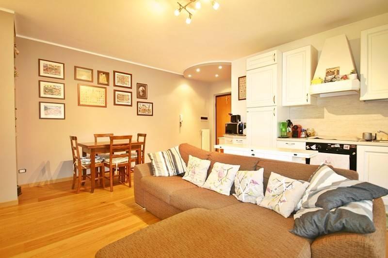Appartamento in ottime condizioni in vendita Rif. 5733870