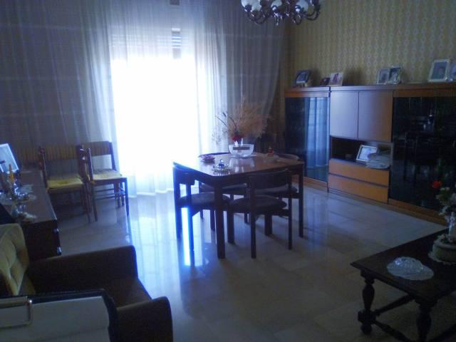 Appartamento da ristrutturare arredato in vendita Rif. 4284095