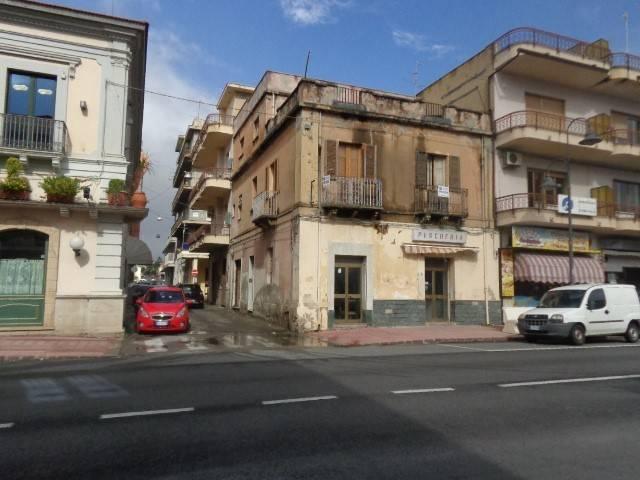 Appartamento in vendita a Marina di Gioiosa Ionica, 8 locali, Trattative riservate | CambioCasa.it