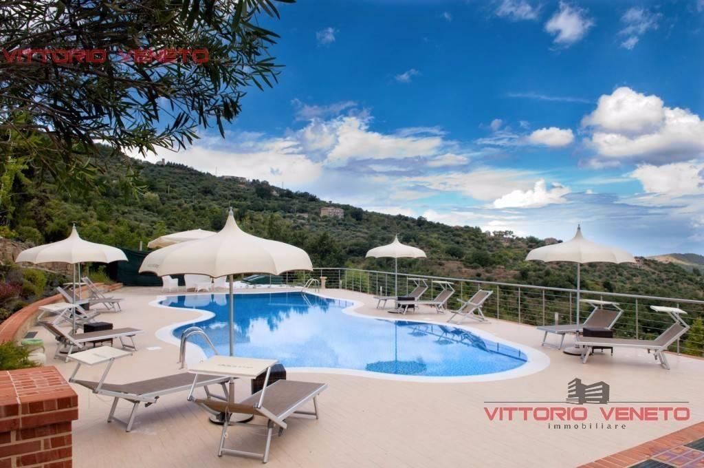 Villa in vendita a Laureana Cilento, 9999 locali, prezzo € 850.000 | CambioCasa.it