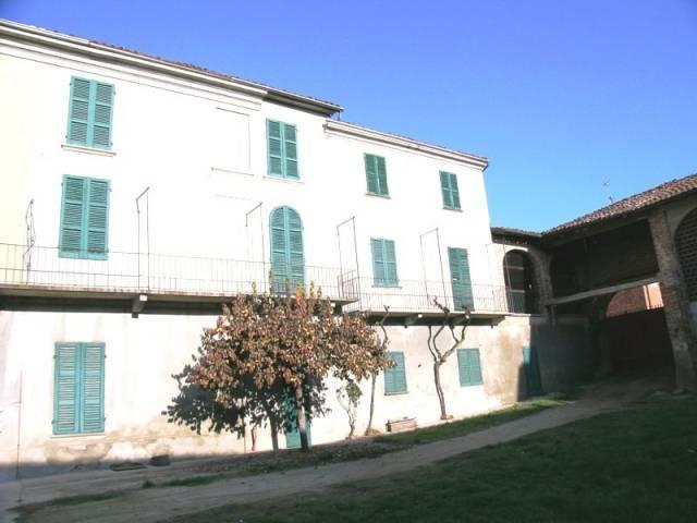 Soluzione Indipendente in vendita a Viarigi, 6 locali, prezzo € 190.000   CambioCasa.it