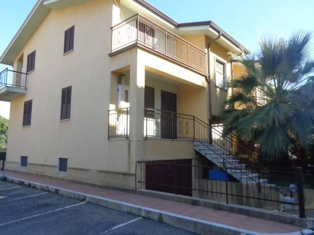 Villa a Schiera in vendita a Siderno, 3 locali, Trattative riservate | CambioCasa.it