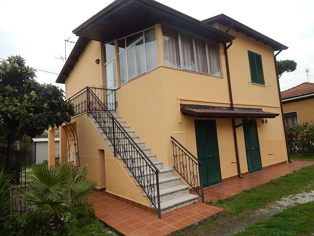 Casa Indipendente in buone condizioni arredato in vendita Rif. 9151317