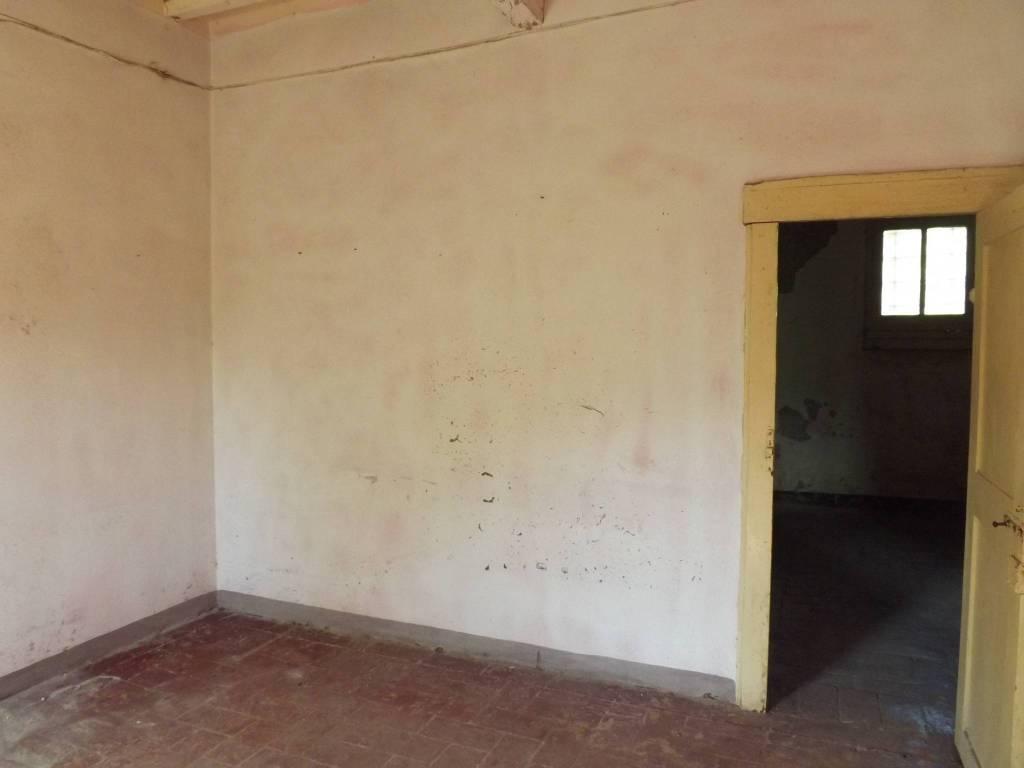 Appartamento da ristrutturare in vendita Rif. 8490249