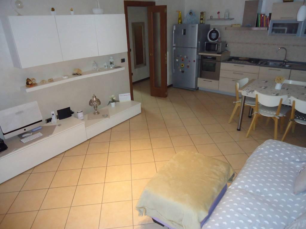 Appartamento in ottime condizioni in vendita Rif. 8256051