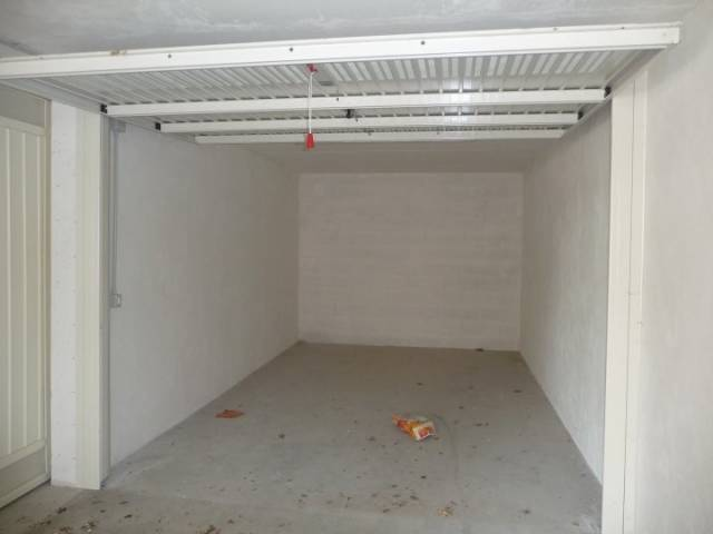 Box e posti auto in affitto