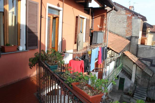 Appartamento in buone condizioni in vendita Rif. 6973628